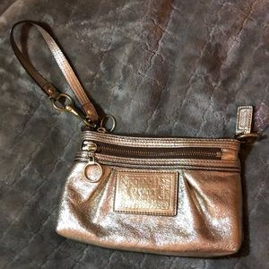 Authentic coach clutch (gold)